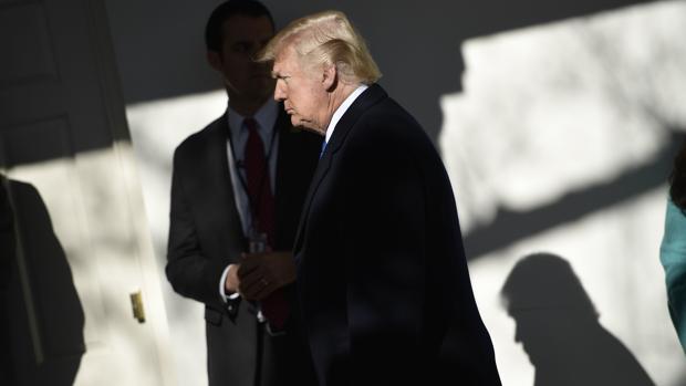 Ante la incertidumbre, Trump ha suspendido su desplazamiento a Florida de este fin de semana a la espera de acontecimientos