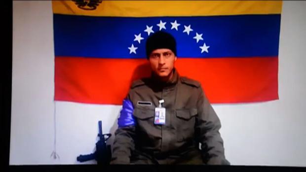 Óscar Pérez, en uno de los vídeos que difundía a través de internet