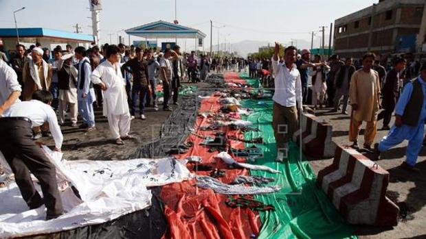 Un doble atentado de Daesh en Kabul, tras una manifestación de la minoría étnica hazara, dejó al menos 83 muertos