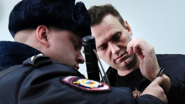 Navalnii, durante una de sus detenciones tras una protesta