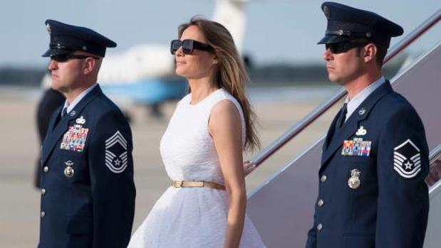 Melania Trump llega a la base de la Fuerza Aérea de Andrews (Maryland)