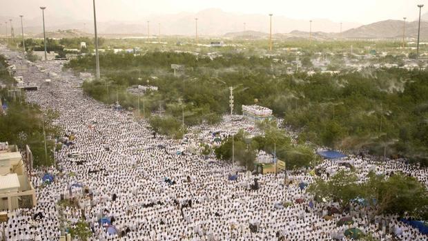 Concentración de peregrinos musulmanes en una jornada de Haj en La Meca