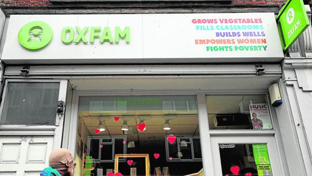 Una de las tiendas de Oxfam en el centro de Londres