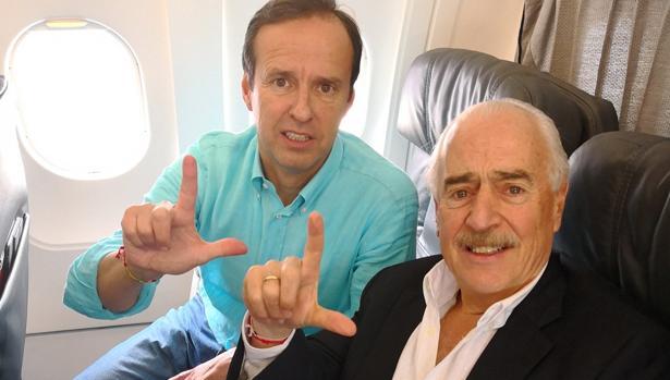 Quiroga (izquierda) y Pastrana, en la imagen con que el expresidente colombiano anunció la deportación
