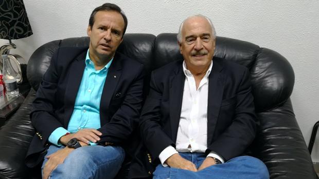 Andrés Pastrana (derecha), junto con Jorge Quiroga durante su retención en La Habana