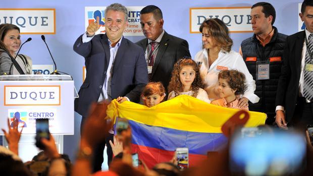 Iván Duque festeja los resultados de las elecciones
