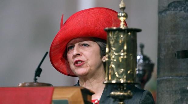 La «premier» Theresa May, durante un acto en Westminster Abbey, este lunes en Londres