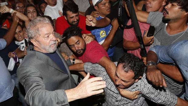 El expresidente brasileño antes de su ingreso en prisión