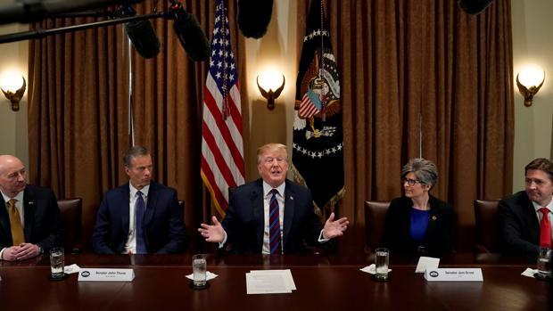 Trump habla durante un acto en la Casa Blanca