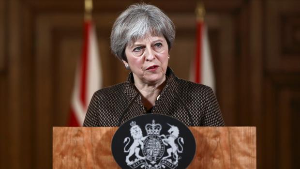 Theresa May, este sábado en Downing Street tras el ataque en Siria