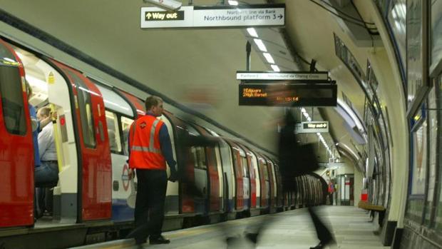 Un andén del metro de Londres