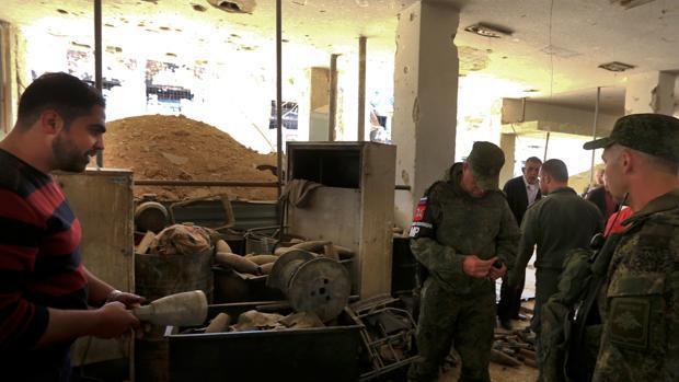Las fuerzas rusas controlan las municiones abandonadas en Duma