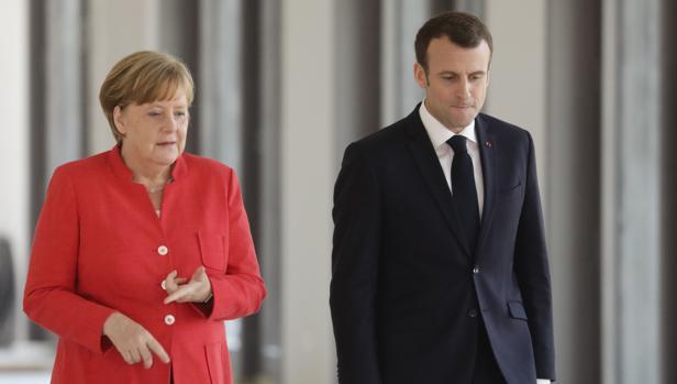 La canciller Angela Merkel, con el presidente francés Emmanuel Macron, hoy en Berlín