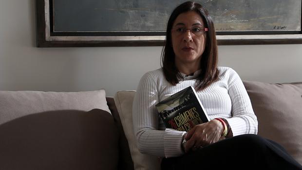 Carleth Morales, periodista y escritora del libro 26 crímenes y una crónica