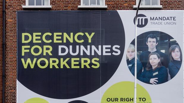 Cartel de una campaña de los sindicatos británicos en contra los contratos de cero horas