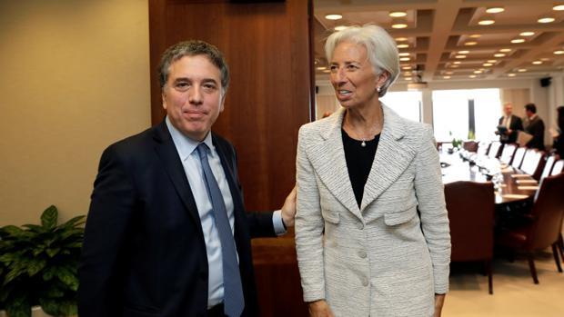 Nicolás Dujovne, junto a Christine Lagarde