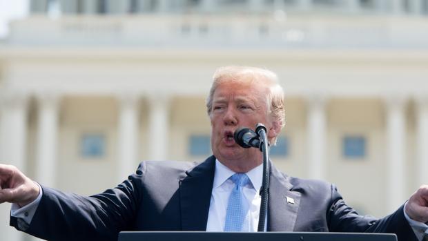 Trump durante el discurso de los 37 años de la Conmemoración anual de los Oficiales de Paz