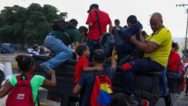 Las perreras, el nuevo y peligroso transporte de los venezolanos