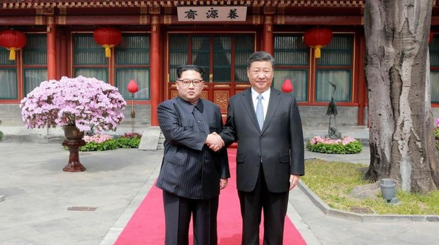 Kim Jong-un, en Pekín para informar al presidente Xi Jinping de su cumbre con Trump