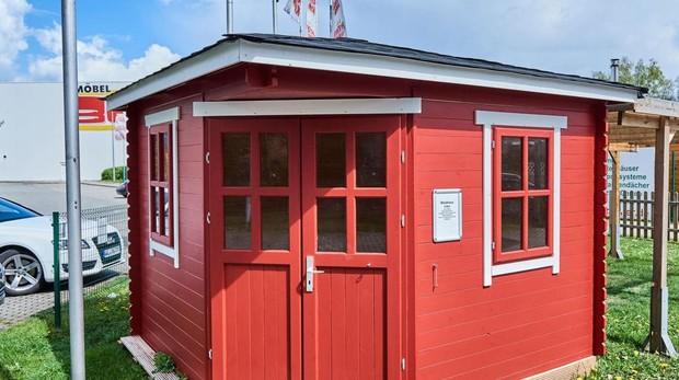 Imagen de una de las casetas de refugiados puestas a la venta