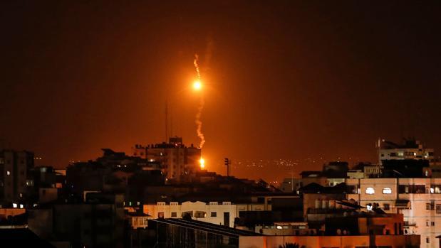 Bengalas israelíes caen sobre Gaza este lunes