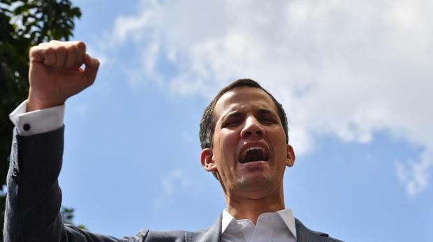 La policía política de Maduro detiene al presidente del Parlamento legítimo, y lo libera después
