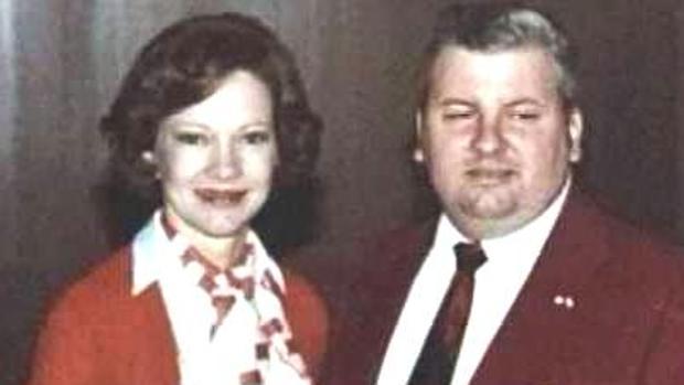 Rosalynn Carter, la mujer del presidente Jimmy Carter, junto a Gacy en su época de voluntario del Partido Demócrata