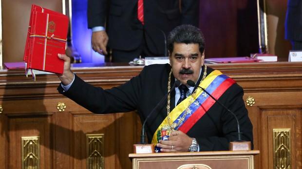 Maduro aumenta el salario mínimo y el petro