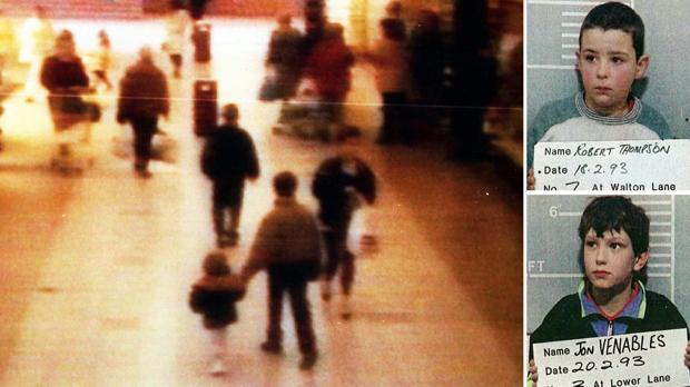 Captura de la cámara de seguridad que grabó a Thompson y Venables llevarse a James Bulger