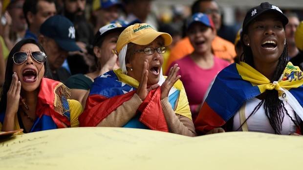 Partidarias de Guaidó en Caracas
