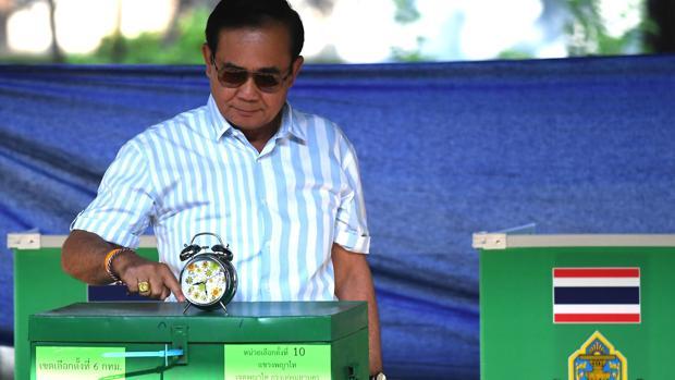 El Ejército se perfila ganador en una Tailandia más dividida