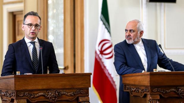 El ministro de Relaciones Exteriores de Irán, Mohammad Javad Zarif, y su homólogo alemán, Heiko Maas, dan una conferencia de prensa en Teherán