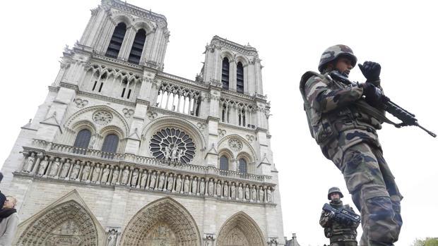 Entre 30 y 25 años de cárcel para las yihadistas que planearon atentar contra Notre Dame