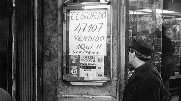 Cartel de el Gordo de la Loteriá de Navidad en la administración de Doña Manolita, en 1975