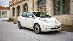 Nissan propone tres programas para convencer a los posibles compradores de su eléctrico Leaf