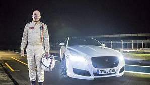 Andy Wallace pone a prueba los Jaguar XJ y el XJ-R9 LM en Silverstone