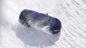 Aprende a conducir sobre nieve... en Laponia