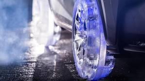 Vídeo: Este Lexus calza neumáticos ¡de hielo!