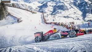 Un Fórmula 1 patina sobre nieve