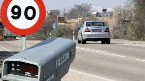 La DGT instala cámaras que detectan si algún vehículo circula sin seguro