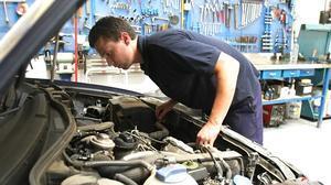 Malos hábitos que harán que acabes con el coche en el taller
