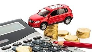 Funcionarios y policías, los que menos pagan por el seguro del coche