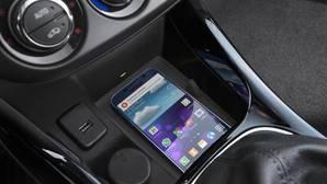 Este coche permite cargar el móvil sin cables