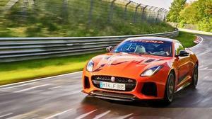 Conviértete en copiloto de un Jaguar F-TYPE SVR en el circuito de Nürburgring