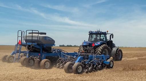 Las grandes extensiones de terreno son el campo ideal de trabajo para los tractores autónomos