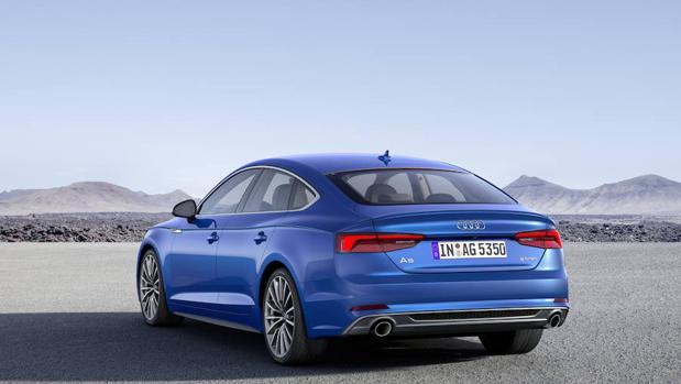 El Audi A5 Sportback visto desde atrás