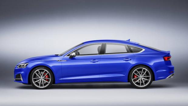 Imagen lateral del S5 Sportback de Audi