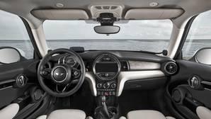 Los riesgos del olor a coche nuevo