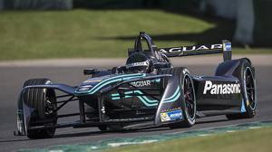 Jaguar vuelve a las carreras con un coche eléctrico, el I-TYPE