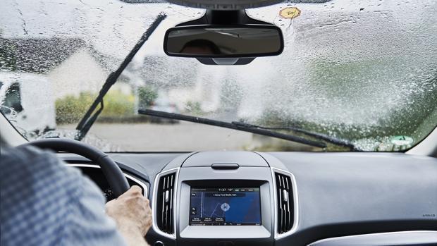 Faros de ajuste automático, ideales para la lluvia